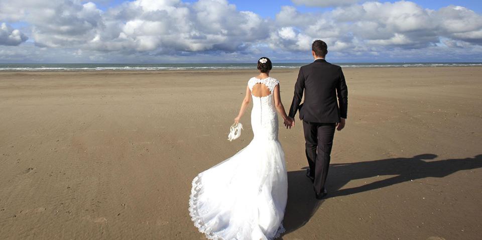 老公被情人抛弃后求我别离婚,我将他赶出家门,泄了我多年的积怨